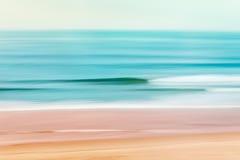 和平的Shorebreak 图库摄影