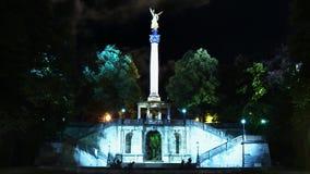 和平Friedensengel,和平天使天使是一座纪念碑在Bogenhausen,德国的慕尼黑郊区 股票视频
