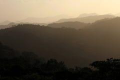 黑和灰色山剪影,圣拉蒙,尼加拉瓜 库存图片