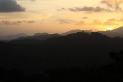 黑和灰色山剪影,圣拉蒙,尼加拉瓜 库存照片
