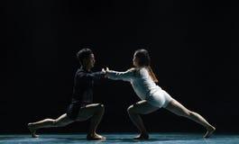 黑和白现代舞蹈 免版税库存图片