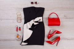 黑和红色成套装备 免版税图库摄影