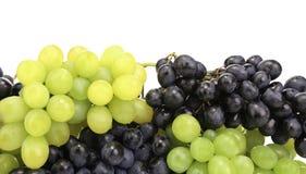 黑和绿色成熟葡萄。 免版税库存照片