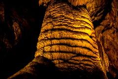 洞和洞穴 免版税库存图片