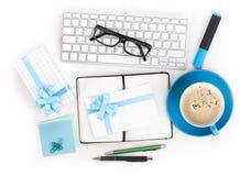 咖啡、办公用品和礼品 免版税库存图片