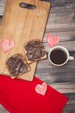 咖啡、多士和巧克力酱,浪漫 库存照片