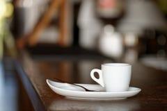 咖啡。热奶咖啡。杯热奶咖啡 免版税图库摄影