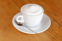 咖啡。热奶咖啡。杯热奶咖啡 图库摄影