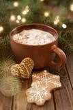 咖啡与圣诞节甜的 免版税库存照片