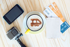 咖啡与桂香火车的在泡沫的 库存图片