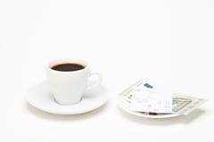 咖啡与票据的 免版税库存照片