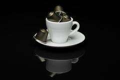 咖啡与胶囊的 库存图片