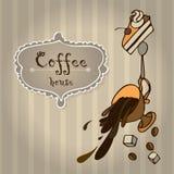 咖啡与蛋糕和咖啡豆的 创造性的图片poste 库存照片