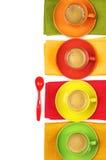 咖啡五颜六色的杯子 免版税图库摄影