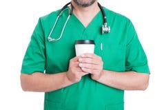 咖啡休息的医生 免版税图库摄影
