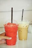 咖啡冰圆滑的人 免版税库存照片