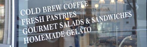 咖啡厅冷的酿造咖啡 免版税库存照片