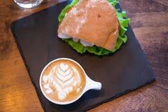 咖啡和三明治 免版税图库摄影
