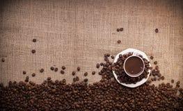 咖啡和咖啡豆 免版税库存照片