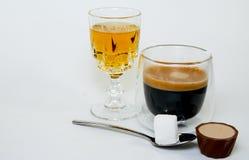 咖啡和威士忌酒 免版税库存照片
