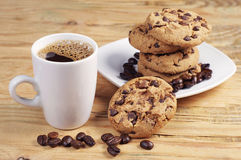 咖啡和巧克力曲奇饼 库存照片