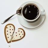 咖啡和心形的曲奇饼 库存照片