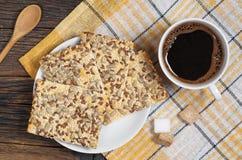 咖啡和曲奇饼与种子 免版税库存图片
