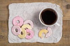 咖啡和曲奇饼与结冰 库存图片