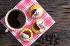 咖啡和曲奇饼 免版税图库摄影