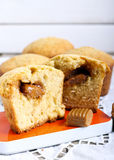 咖啡和焦糖蛋糕 免版税库存照片