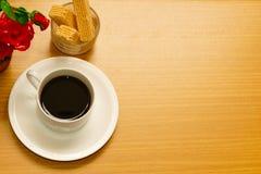 咖啡和牛奶曲奇饼 库存照片
