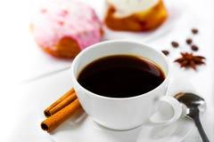 咖啡和甜点 库存照片