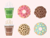 咖啡和茶与油炸圈饼和曲奇饼 免版税库存照片