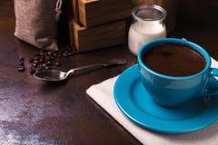 咖啡和黄麻请求,木容器,蔗糖 图库摄影