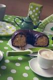 咖啡和Bundt蛋糕 免版税库存照片
