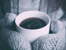 咖啡在冬天 免版税图库摄影