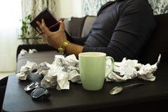 咖啡在家在工作 免版税库存照片