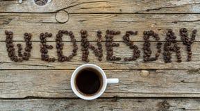 咖啡在木背景的 免版税库存照片