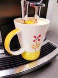 咖啡壶或coffdispenser咖啡 库存照片