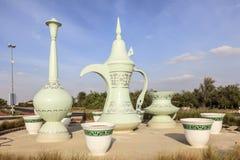 咖啡壶环形交通枢纽在艾因,阿拉伯联合酋长国 库存照片