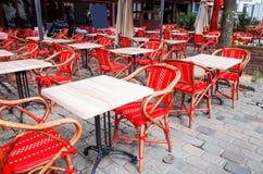 咖啡大阳台的街道视图 免版税图库摄影