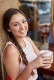 咖啡女孩画象 库存照片