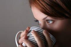 咖啡女孩 免版税图库摄影