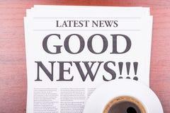 咖啡好消息报纸 图库摄影