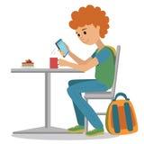 咖啡店传染媒介平的例证 年轻人饮料咖啡在桌上 使用sm,导航学生的例证在咖啡休息 皇族释放例证