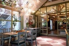咖啡店在温室里 免版税图库摄影