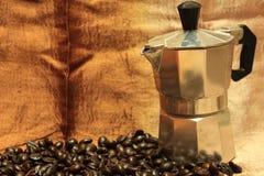 咖啡意大利人罐 免版税库存照片