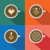 咖啡拿铁艺术样式设置了与在五颜六色的背景的长的阴影 免版税库存图片