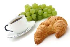 咖啡新月形面包杯子 免版税库存图片