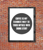 咖啡是在画框写的我喜爱的方式 免版税库存照片